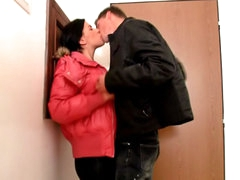 Dark brown cute babe sucking and getting screwed by large ramrod